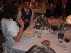 Bryllupskaken var ett torn med cocosbollar. Coolt! Me like :-)