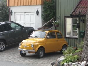 Såg denna lilla bil, var tvungen att ta bild