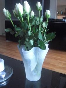 Och vita rosor så klart!